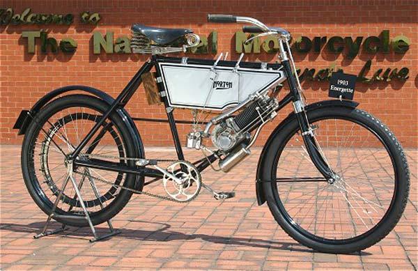 1902 - Primeira Norton equipada com um motor Peugeot